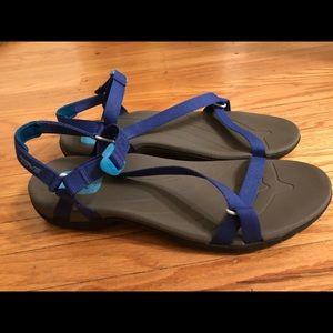 Teva Shoc Pad Sandals, size 10